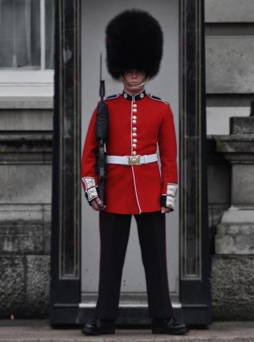 London - Buckingham Palace guard